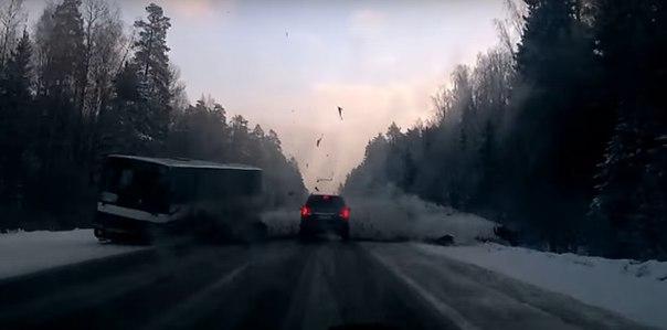 Опубликовано видео страшной аварии BMW с рейсовым автобусом под Судогдой