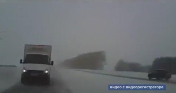 Лобовое ДТП в Башкирии: легковушку занесло под встречную «Газель»