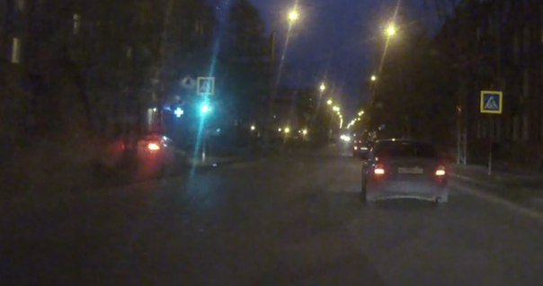 В Иваново летящий «Ягуар» снес светофор