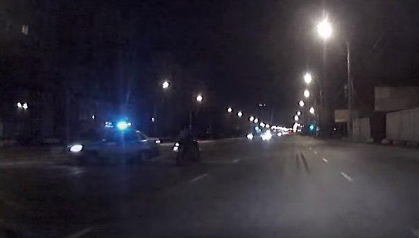 В омске полиция бросилась в погоню за мотоцикистом