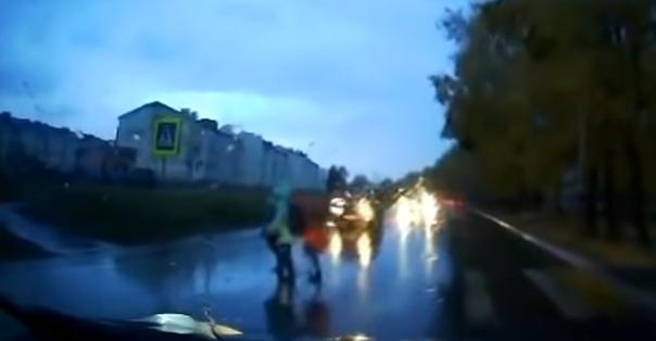 В Хабаровске сбил трех школьниц