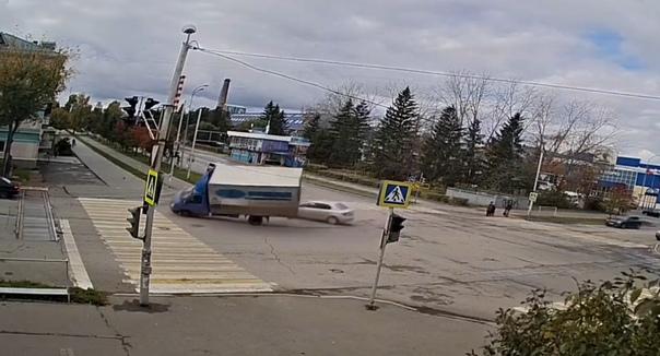 """Переворот """"Газели"""" в Альметьевске попал на ВИДЕО"""