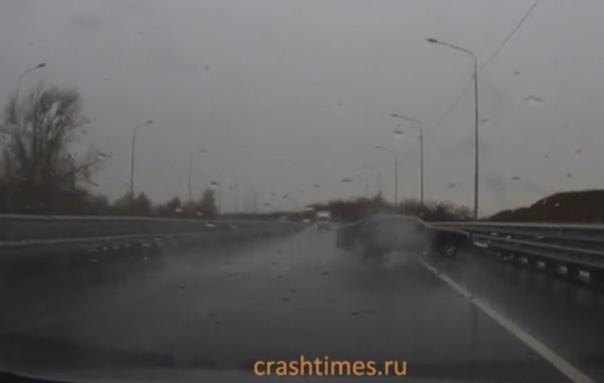 Лобовое столкновение на мосту в волжском
