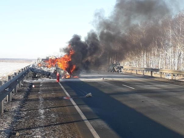 Огненная авария в Башкирии: погибли два человека