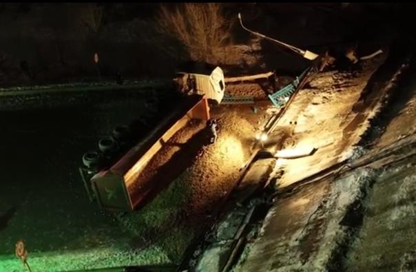 Появилось ВИДЕО момента обрушения моста в Оренбургде