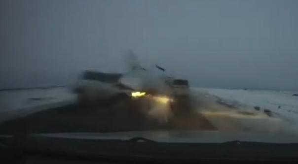 Жесткая лобовая авария в Какзахстане попала на ВИДЕО