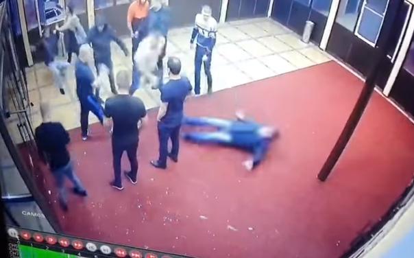 Опубликовано ВИДЕО драки в клубе в Лабытнанги, где погиб один из посетителей