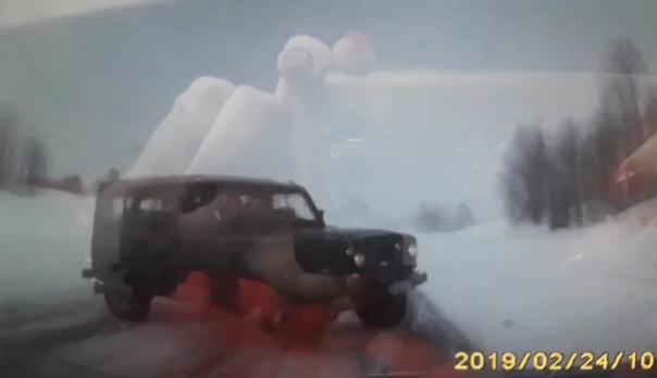 Опубликовано ВИДЕО аварии на трассе Пермь-Березники, где УАЗ вынесло на встречку