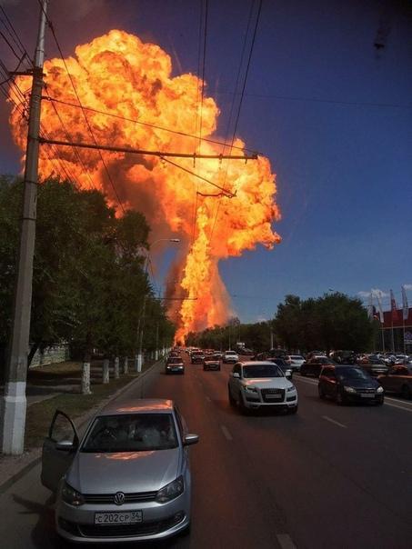 Взрыв газовой заправки в Волгограде попал на ВИДЕО с нескольких ракурсов