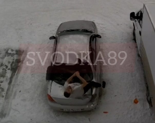 В Муравленко пьяный мужчина выпал с 6-го этажа и остался жив. ВИДЕО